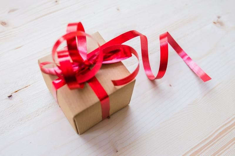 no-olvides-los-padrinos-regalos-agradecimiento-padres-novios-sorpresa