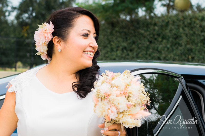 04-tiaras-flores-complemento-peinado-boda-sanagustinphoto-800x600
